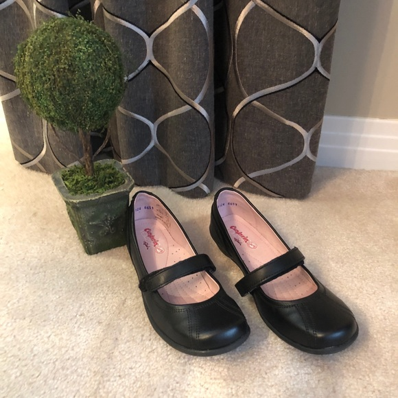 New Girls Condorin Black Shoes -Size 33 - 1.5